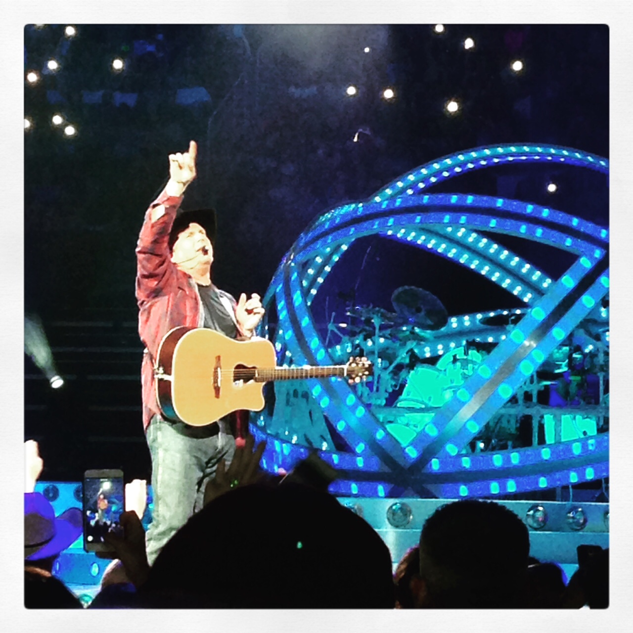 funny entertainment blog-Garth Brooks