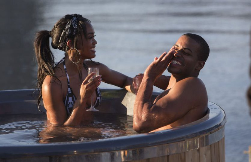 Bachelor Recap: Hot Tubin' Lovin'